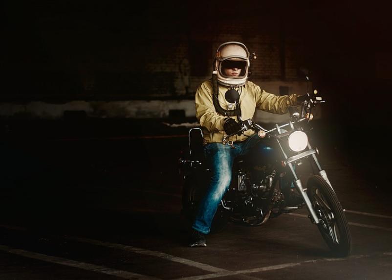 Ночных гонщиков в Смоленске решили ограничить светофорами