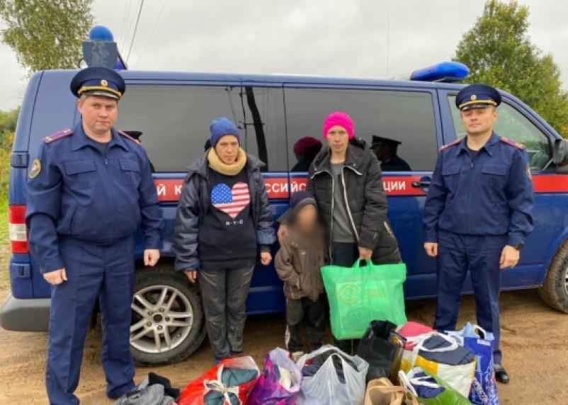 В Смоленской области мужчина спас из пожара четырех детей и жену