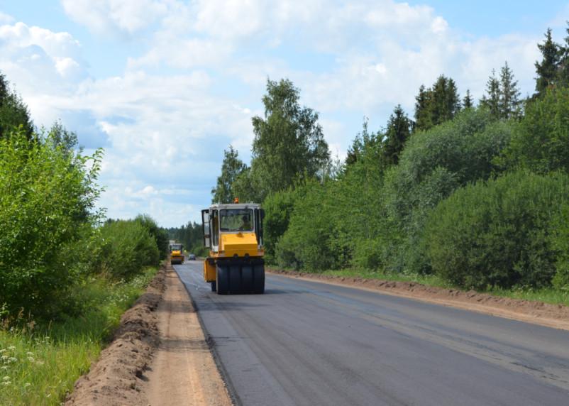 В Руднянском районе ремонтируют дорогу к границе с Республикой Беларусь
