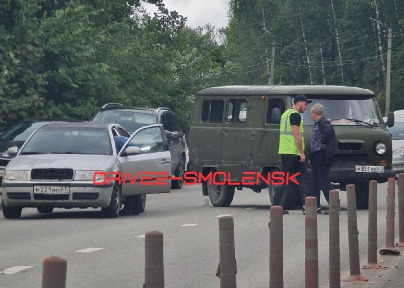 Авария на Волоке в Смоленске парализовала движение