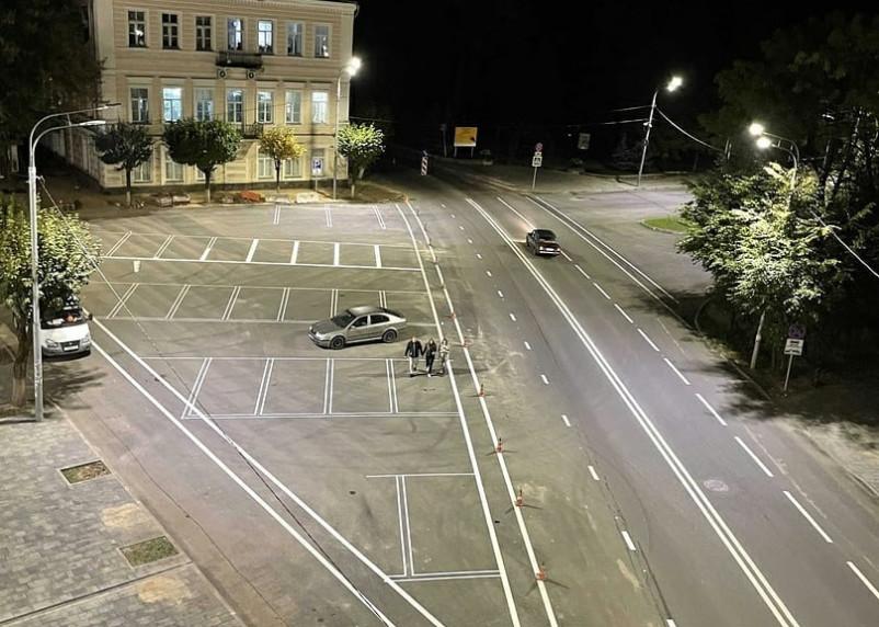 Центр Смоленска с видом на парковку