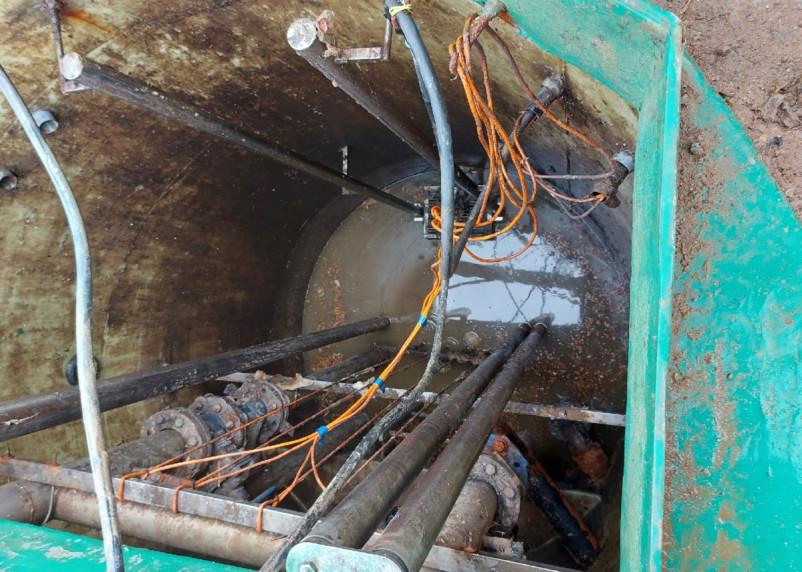 В новом Смоленском микрорайоне нечистоты сливают прямо в овраг у дома