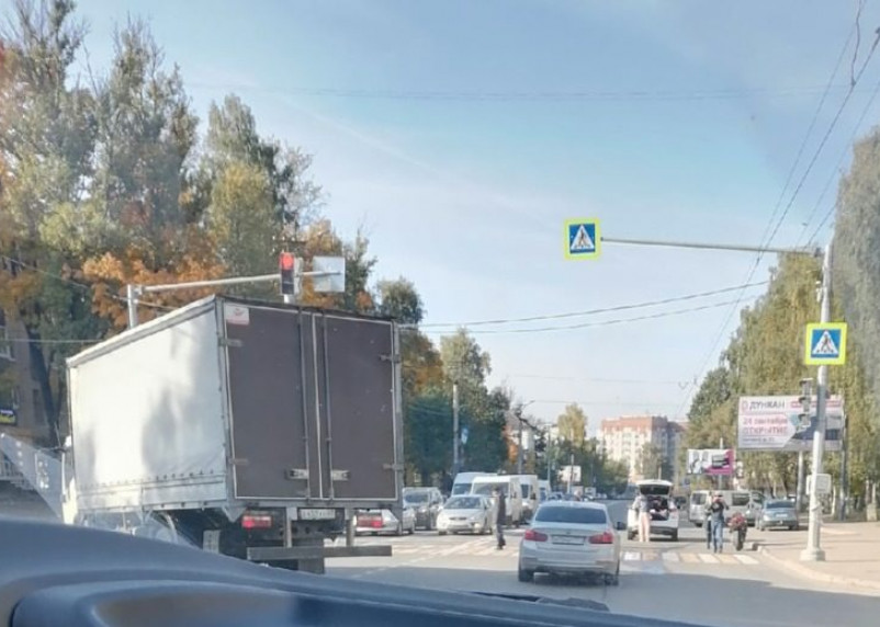 В Смоленске на Николаева произошло жесткое ДТП