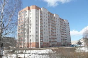 Смоленский застройщик больше года «мариновал» дольщиков с передачей квартиры в новостройке