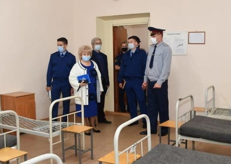 В следственный изолятор в Смоленске нагрянули с проверкой