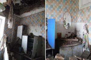 Прокурор встретился с вязьмичами, у которых рухнул потолок в квартире