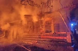 Отец спас троих детей из пожара в Духовщинском районе