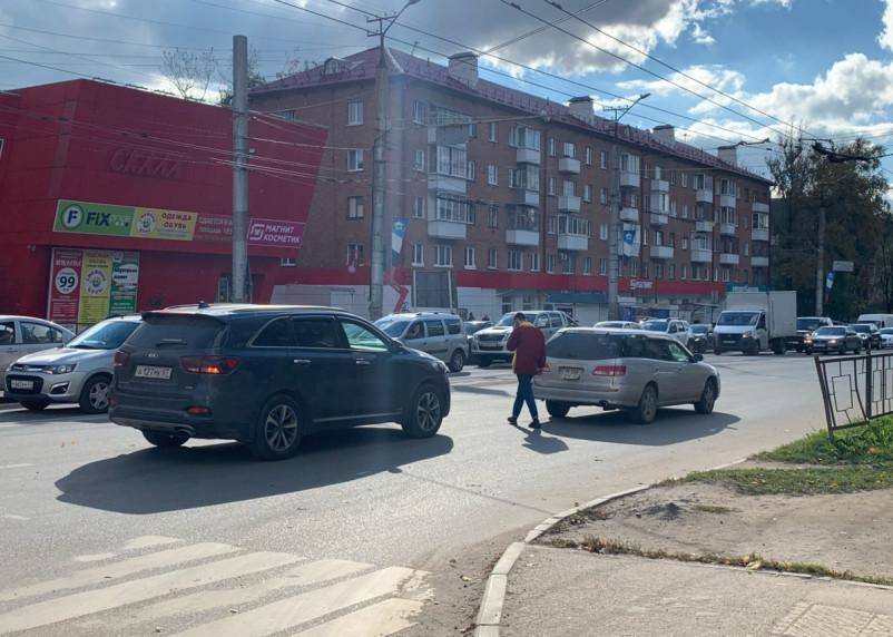В Смоленске произошло ДТП на трех дорогах
