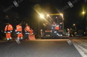 В Смоленске ремонт улицы Нормандия-Неман идёт полным ходом. Smolnarod подготовил фоторепортаж