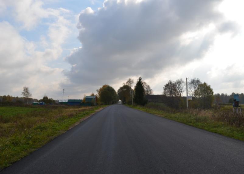 В Гагаринском районе ремонтируют дорогу от трассы М1 к Темкино