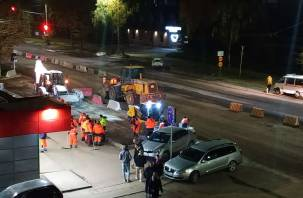 На улице Нормандия-Неман снова начали ремонт дороги