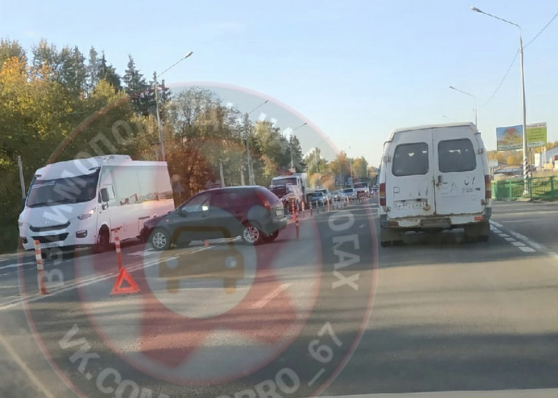 В Смоленске ДТП на Рославльском шоссе собрали пробку