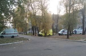 В Смоленске выстроились вереницы скорых к ковидарию