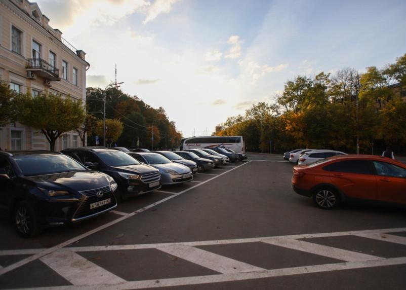 Смолян сплотило недовольство неуместной парковкой в историческом центре города