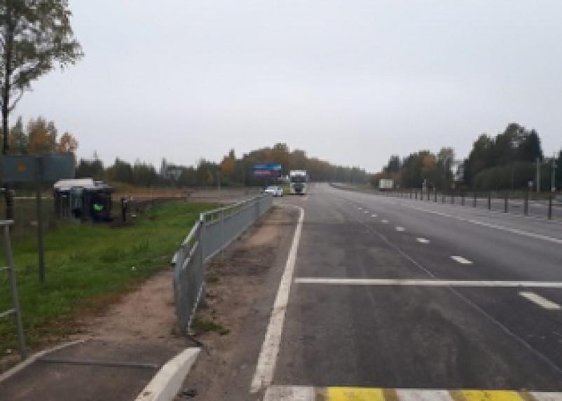 В Смоленском районе в жёстком ДТП пострадал водитель фуры