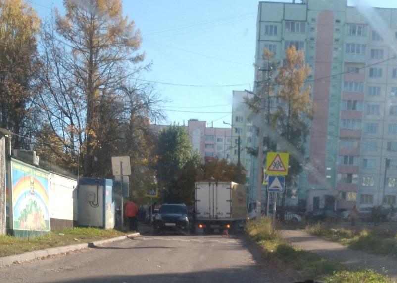 В Смоленске мелкие ДТП перекрыли проезды на улицах