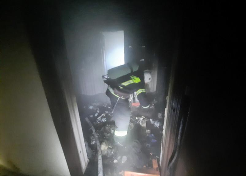 В Сафоново при пожаре в квартире пострадал человек