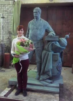 2. скульптор екатерина коваль со своей работой