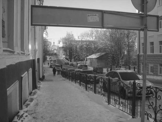 Кладбищенские оградки в центре Смоленска