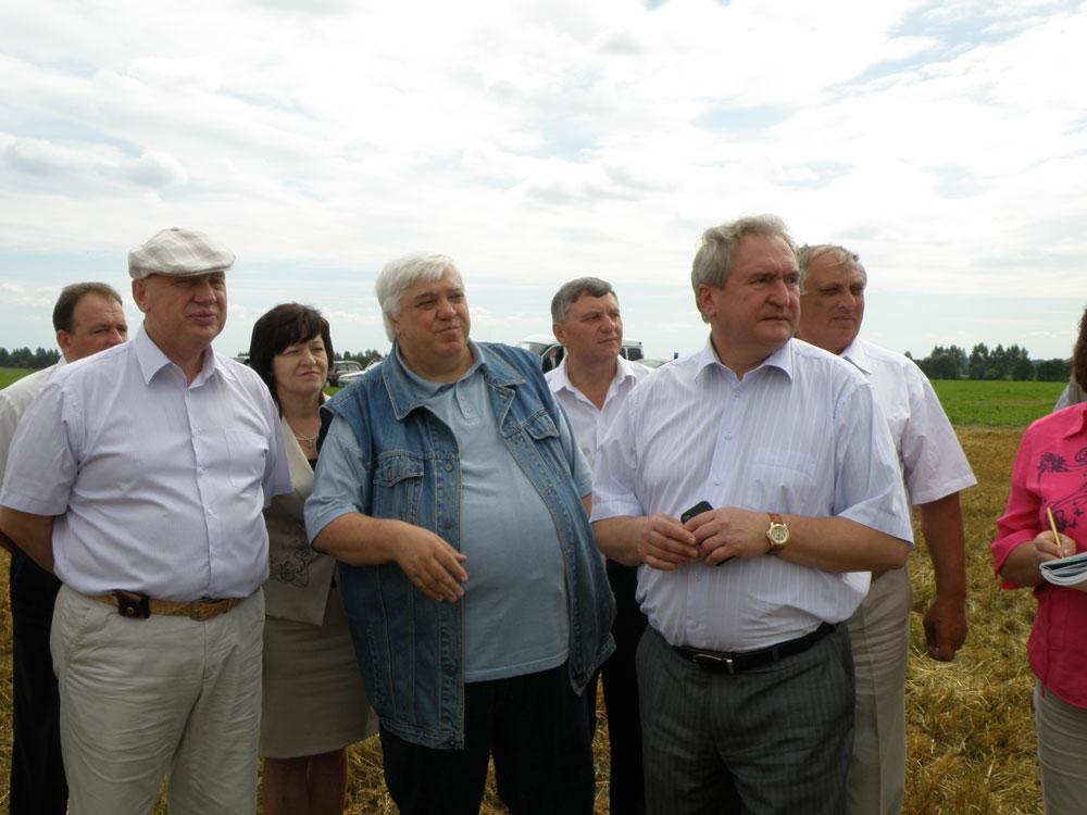 Глава МО «Руднянский район» Юрий Ивашкин, Гурам Абсандзе и Сергей Антуфьев