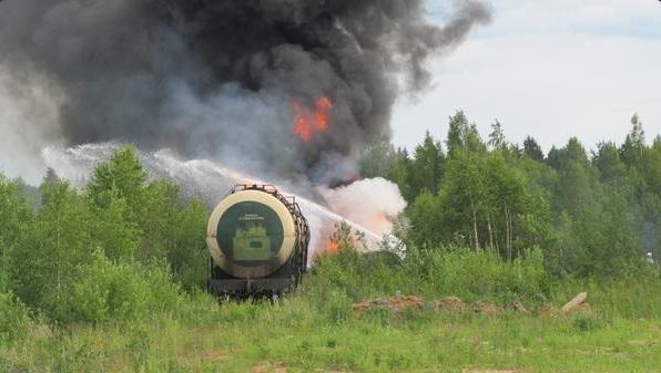 В Ярцево крупный пожар