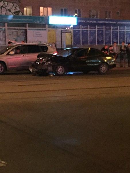 Возле ТРЦ «Макси» нетрезвый водитель чуть не сбил пешехода