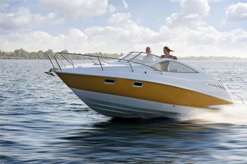 водитель моторной лодки
