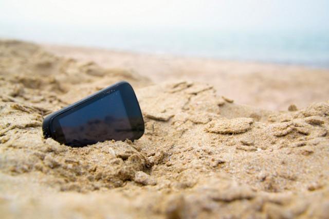 Гражданин Смоленской области на береге вРязани похитил уотдыхающего телефон