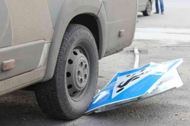 ВРославле машина без водителя наехала наребенка