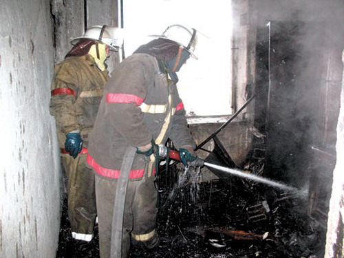 Наулице Рыленкова вСмоленске загорелась квартира вдевятиэтажке