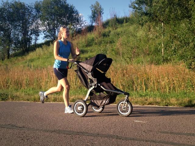 Фитнес-заезд мам смалышами вколясках состоится вСмоленске