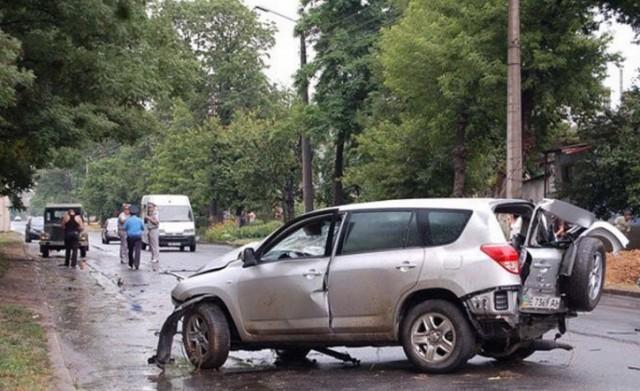 ВСмоленской области два человека пострадали при столкновении иномарок