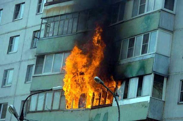 Наулице Тухачевского вСмоленске загорелись балконы жилого дома