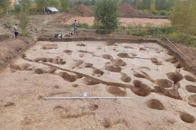 ВСмоленске археологи откопали древнее жилище наберегу Днепра