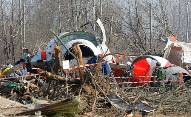 СМИ назвали дату первой эксгумации тел жертв Смоленской катастрофы