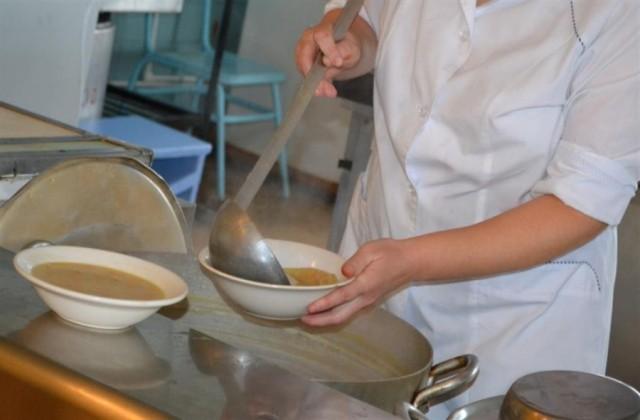 Горячие завтраки стали наименее доступны для смоленских школьников— Роспотребнадзор