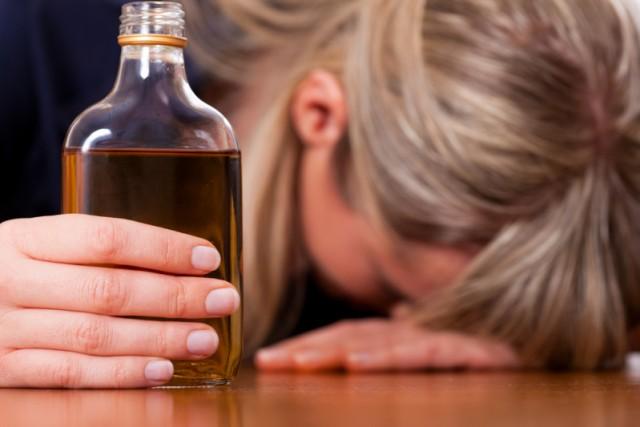 Дело обубившем 2-х смолянок суррогатном алкоголе передано всуд