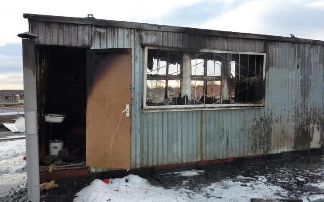 ВСмоленском районе встроительной бытовке сгорел человек