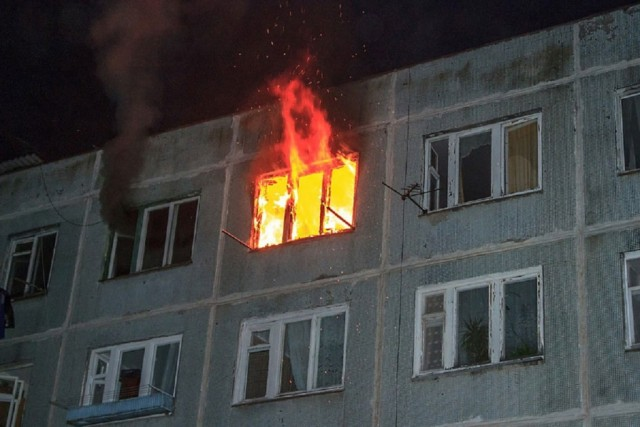 Вгорящей квартире вВязьме умер мужчина