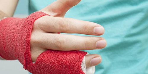 ВСмоленской области прохожий откусил женщине палец впроцессе ссоры