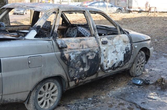 Гражданин Смоленской области измести поджег чужой автомобиль