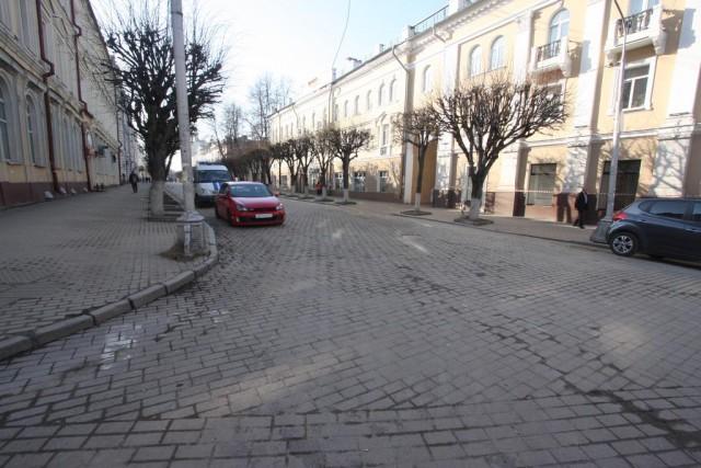 Смоляне выступают против размещения парковок вцентре города