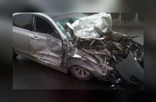 Шесть человек пострадали вмассовом ДТП натрассе Псков-Петербург