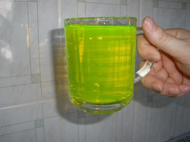 Воду вСмоленске покрасят вярко-зеленый цвет