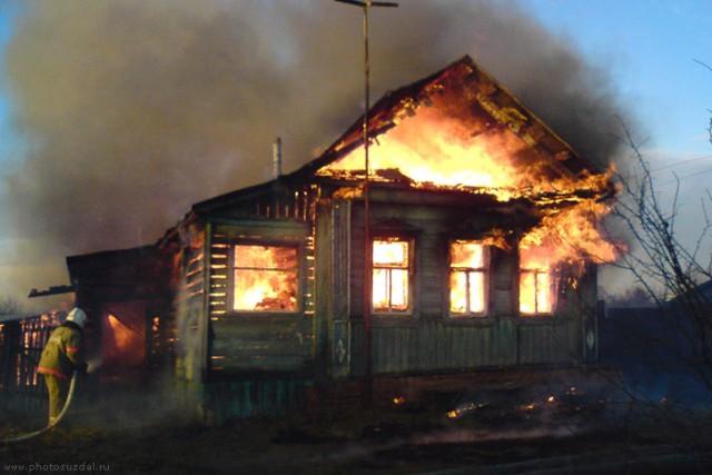 ВСмоленской области мужчина поджёг дом сожительницы