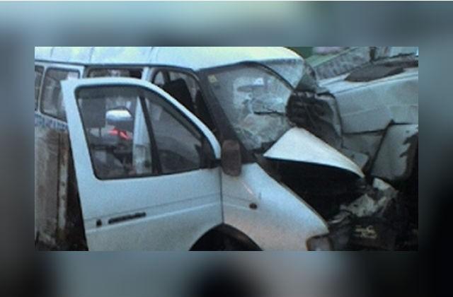 ВСмоленской области вДТП умер шофёр «Мерседеса»