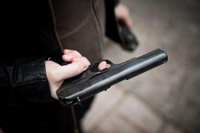 Под Смоленском отец вступился задочь иустроил стрельбу вклубе