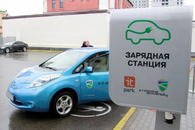 71 станция для зарядки электромобилей появится задва года на трассах РФ
