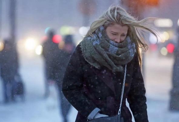 Синоптики: штормовое предупреждение навыходные в основном регионе РФ