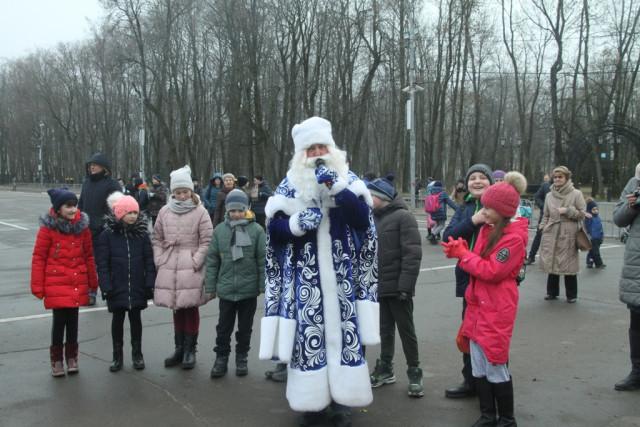 В Смоленске открыта главная новогодняя елка